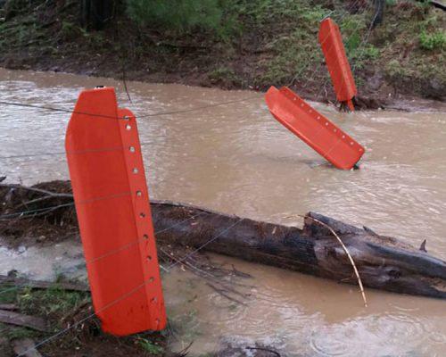 Use flood posts against floods