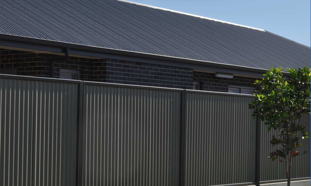 Bushfire protection with steel fencing - FENCiT